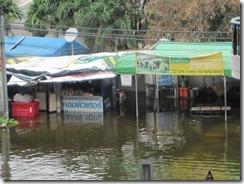 2011_10_20 Flooded Market (10)