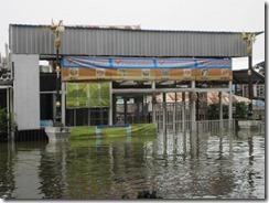 2011_10_20 Flooded Market (4)