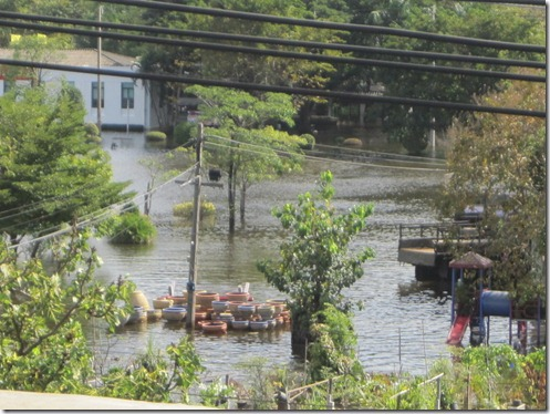 2011_10_29 Khlong Prapa (9)