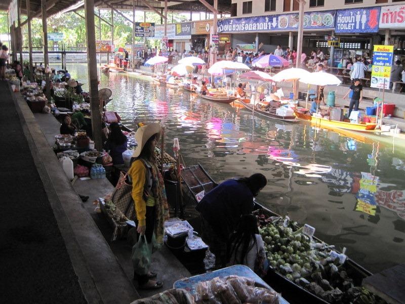 damnoen saduak floating market how to get there