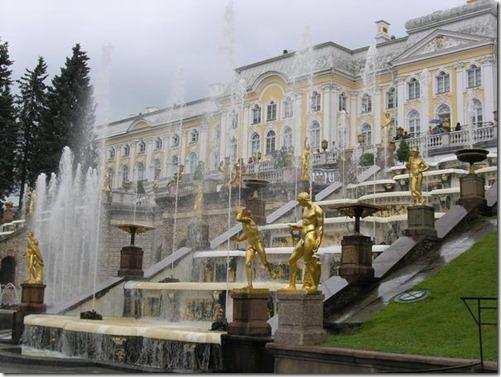523737-peterhof-palace-and-gardens-1