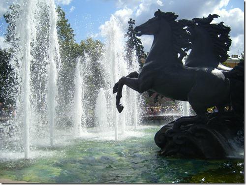 horses_fountain_alexander_gardens_moscow