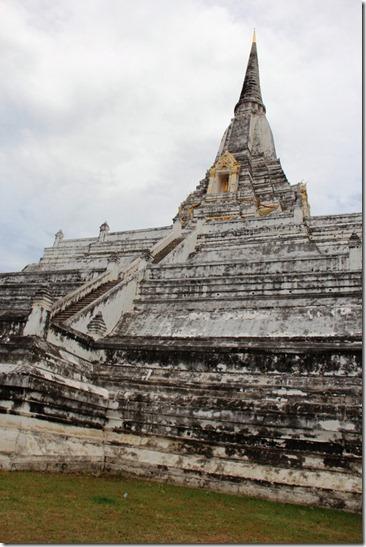 2012_08_11 Wat Phu Khao Thong (4)