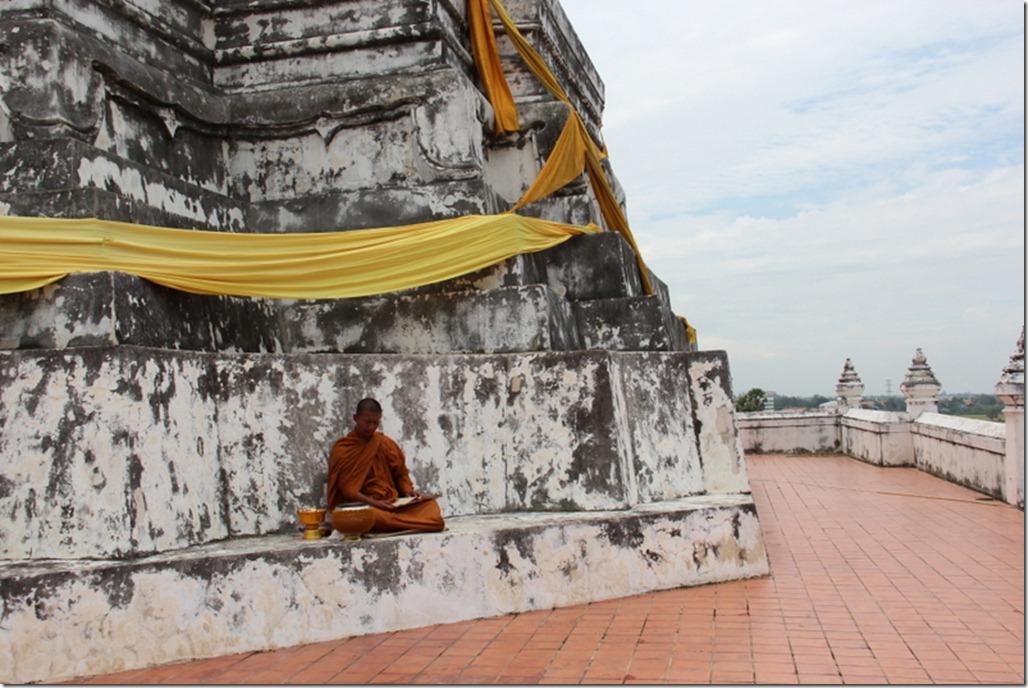 2012_08_11 Wat Phu Khao Thong (7)