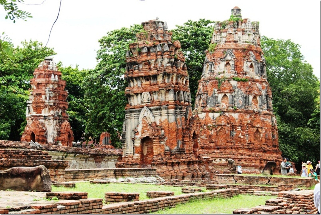 Wat Mahathat in Ayutthaya, Thailand  World Adventurers