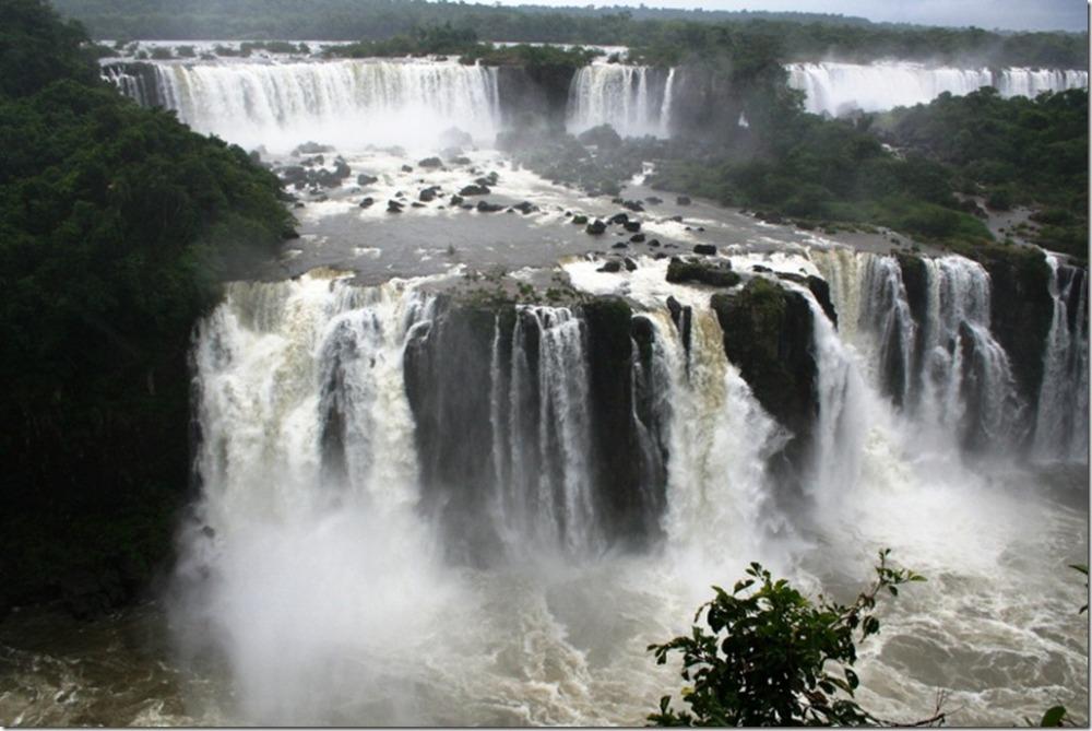 Iguazu Falls vs. Victoria Falls (with Photos) (1/6)