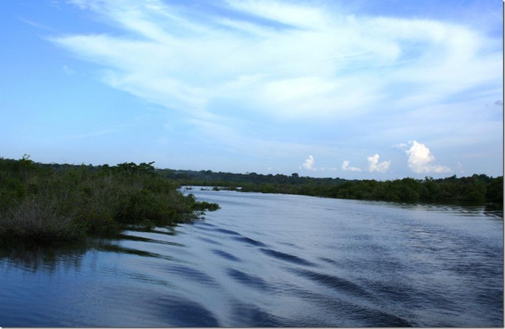 2008_07_17 Brazil Amazon River (2)