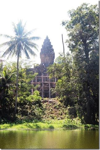 2012_12_27 Cambodia Roluos